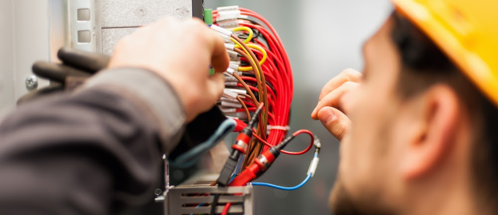 how to choose an electrician